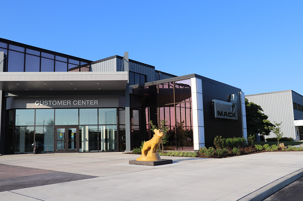 Mack-Defense-Mack Customer Center