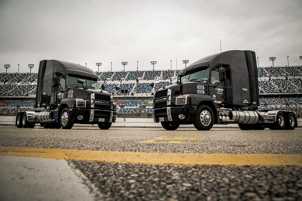 Mack NASCAR Virtual Experience Offers Customers Opportunity to Interact with Michael Waltrip, Rocko Williams