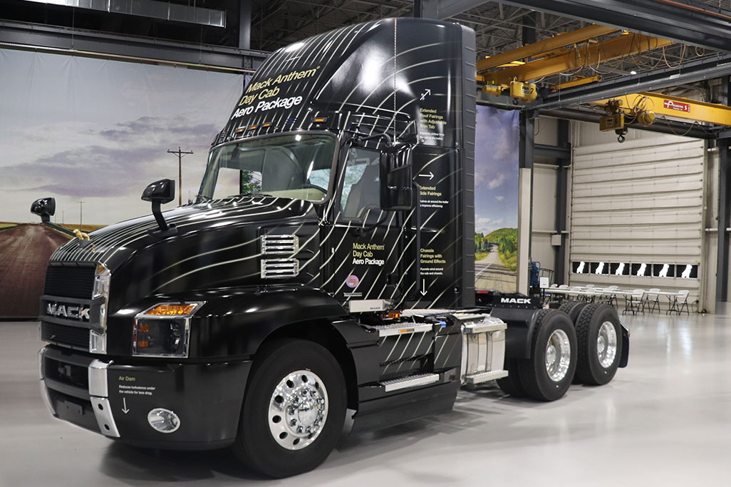 New Mack Anthem Day Cab Roof Fairing Improves Fuel Efficiency